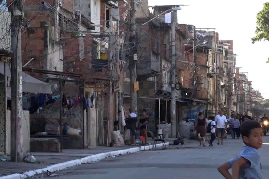 Les balles de l'état pleuvent dans les favelas